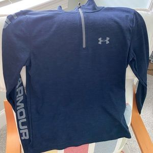 Youth under armour heatgear 1/4 zip shirt.  Size L
